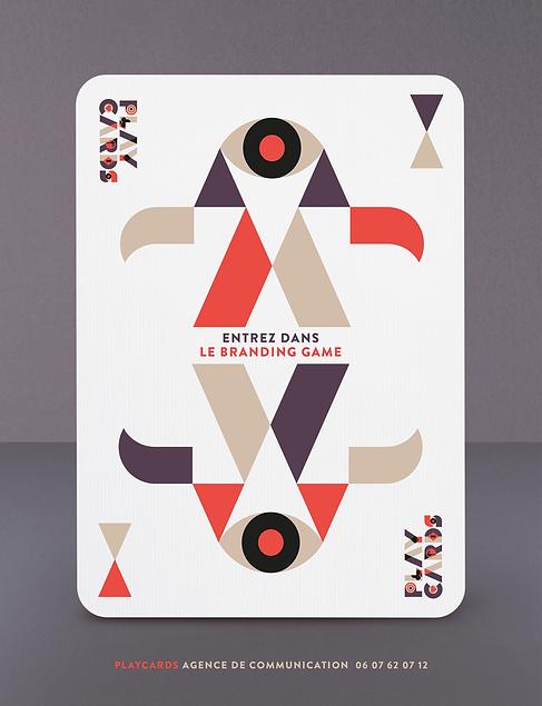 Une annonce en forme de carte à jouer pour l'agence Playcards.