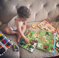 We are only slightly obsessed with Melissa & Doug in our house _melissaanddougtoys #curiobin #earlyl