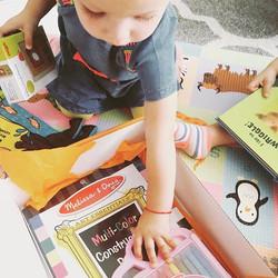 Drawing time #curiokid #happykid #curiobin #toysubscription #developmentaltoys #occupationaltherapis