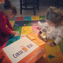 Morning puzzles for these cuties #curiokids #happyclients #happyplay #development #momlife #playlear