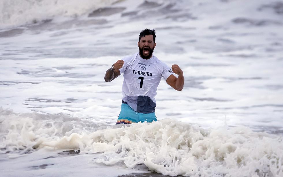 Ítalo Ferreira ouro surfe
