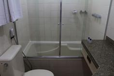 Banheiro com banheira.jpg
