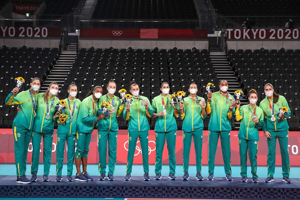 Seleção feminina de vôlei - medalha de prata