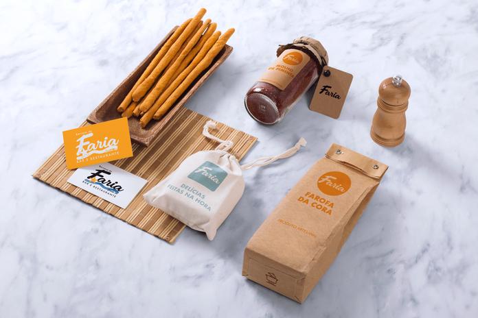 Food-Packaging-&-Branding-MockUps-02.png