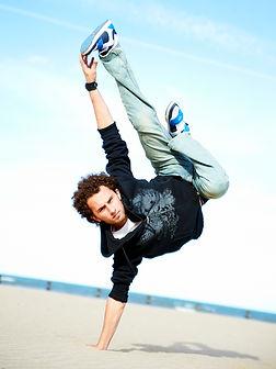 Victor Canache stunts