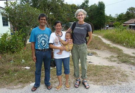 EleVETS Team members Dr. Susan Mikota, Dr. Tharaka Deepal, and EleVETS Project Manager Hollis Burbank-Hammarlund, Sri Lanka 2017.