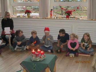 Weihnachtsfeier mit Gästen in den Klassen