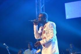 """A Lyon Youssou rend hommage aux """"Lions"""" et oublie Habib."""
