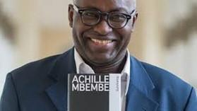 Le penseur Africain Achille Mbembé réagit à la réceptionpar le président Macron d'africains de la d