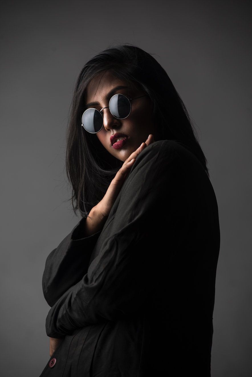 woman-wearing-sunglasses-and-long-sleeve