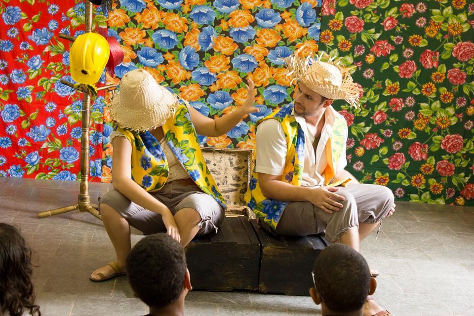 Cia Traquitana Sustentabilidade teatro na escola