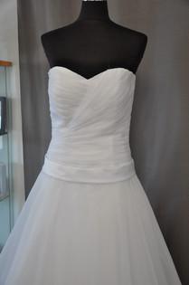 Svatební šaty číslo 217
