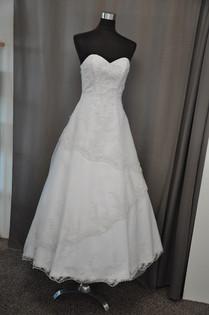 Svatební šaty 214a a 214b