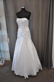 Svatební šaty číslo 209