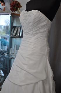 Svatební šaty číslo 205