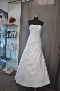 Svatební šaty číslo 211
