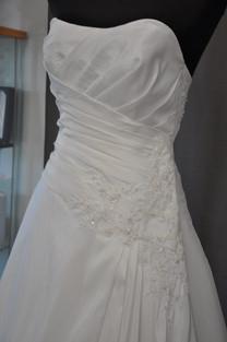 Svatební šaty číslo 204