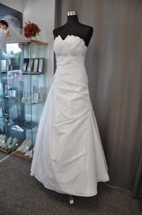 Svatební šaty číslo 207