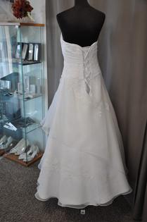 Svatební šaty číslo 215