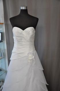 Svatební šaty číslo 212