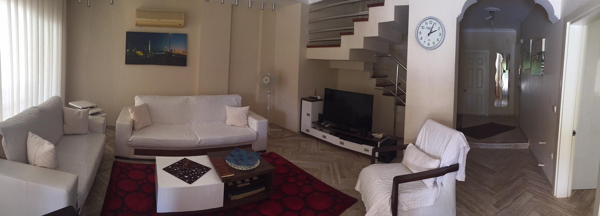 Livingroom_Panaromic.JPG