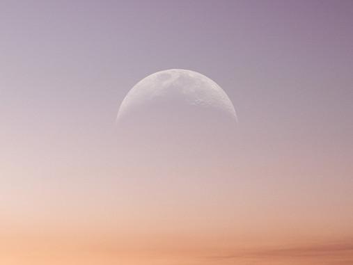 Lua Nova em Câncer: de encontro às suas emoções mais profundas