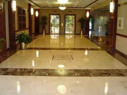 piso-paginado-em-marmore-e-granito-importados