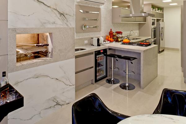 assim-eu-gosto-churrasqueira-revestida-marmore-600x400