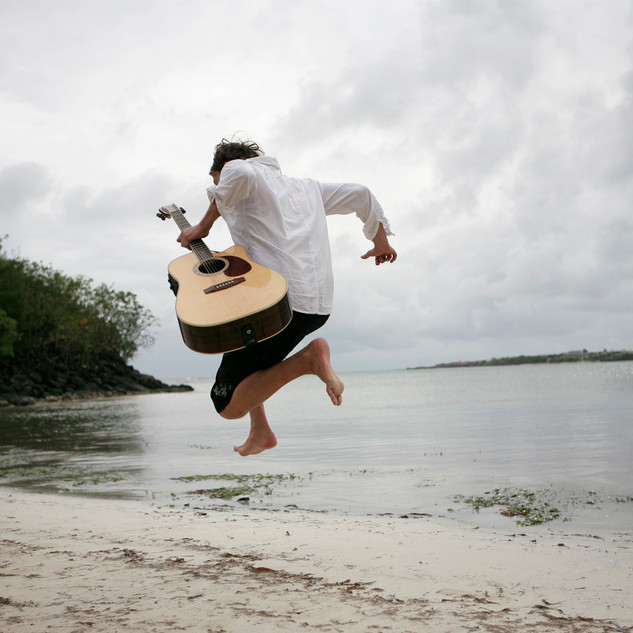 Jumping Domi