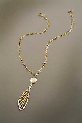 Dragofly Necklace with Pearl