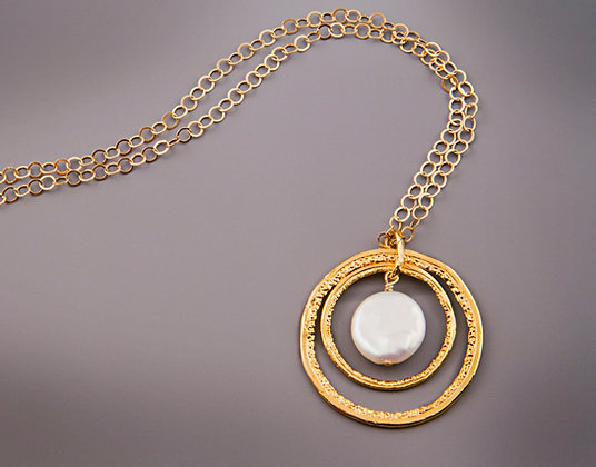 Double Circle Gold Necklace with Pearl