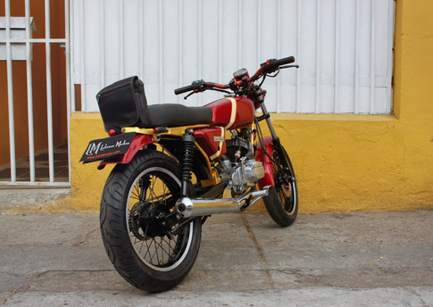 BratStyle Lolana Motos Bogota.jpg