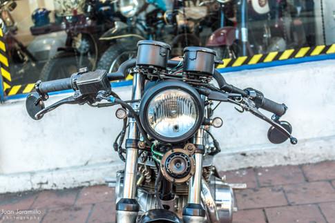 Lolana Motos Cafe Racer.jpg