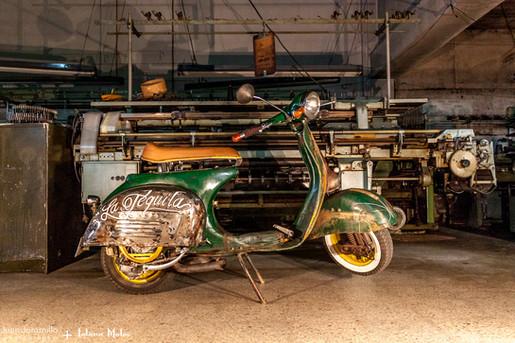 Vespa 48 Lolana Motos.jpg
