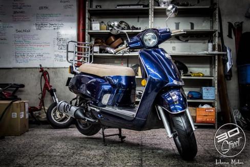 enchulame la moto.jpg