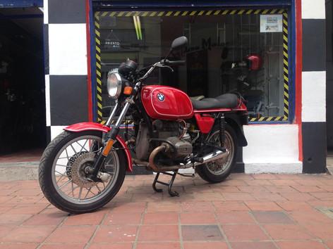 Motos clasicas Colombia.jpg