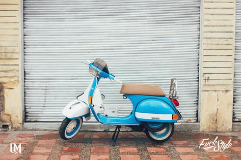 Vespa Lolana Motos.jpg