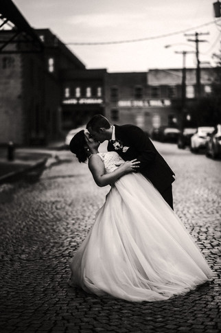 QC_Event_Design_Black_and_White_kissing_