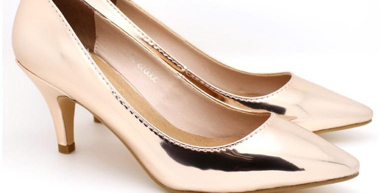 Metallic Pointed Toe Pumps (Rose Gold)