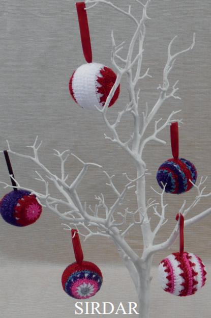 Sirdar Christmas Glitter Baubles