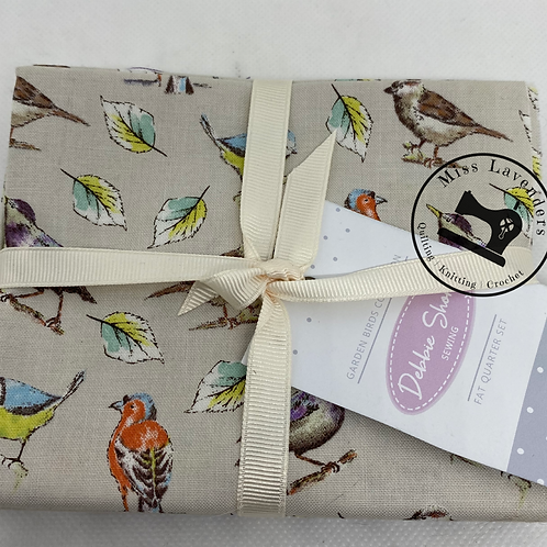 Debbie Shore  - Garden Birds - 26551 Cotton Fat Quarters 5 Pack
