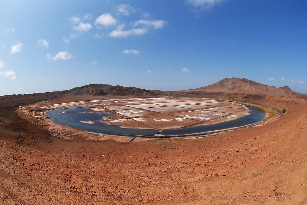 mars-moon-location-salt-mine-in-a-volcano-crater