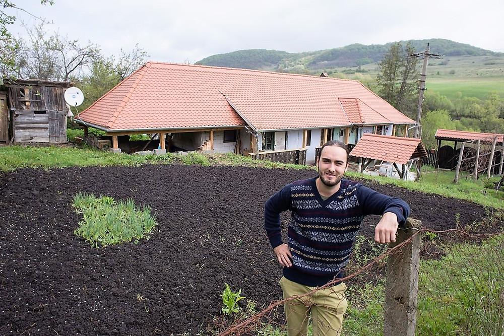 Radu-Moldovan-accommodation-rustic-location-in-Sapartoc-village-near-Sighisoara