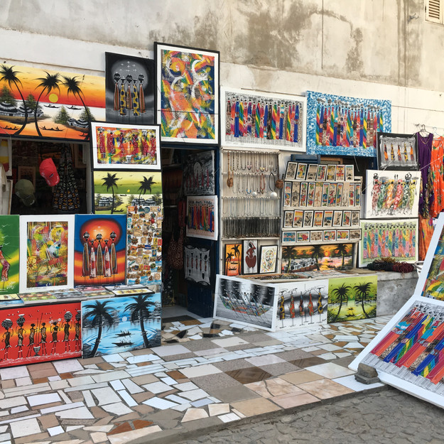 street-shop-african-souvenirs-and-art-island-sal