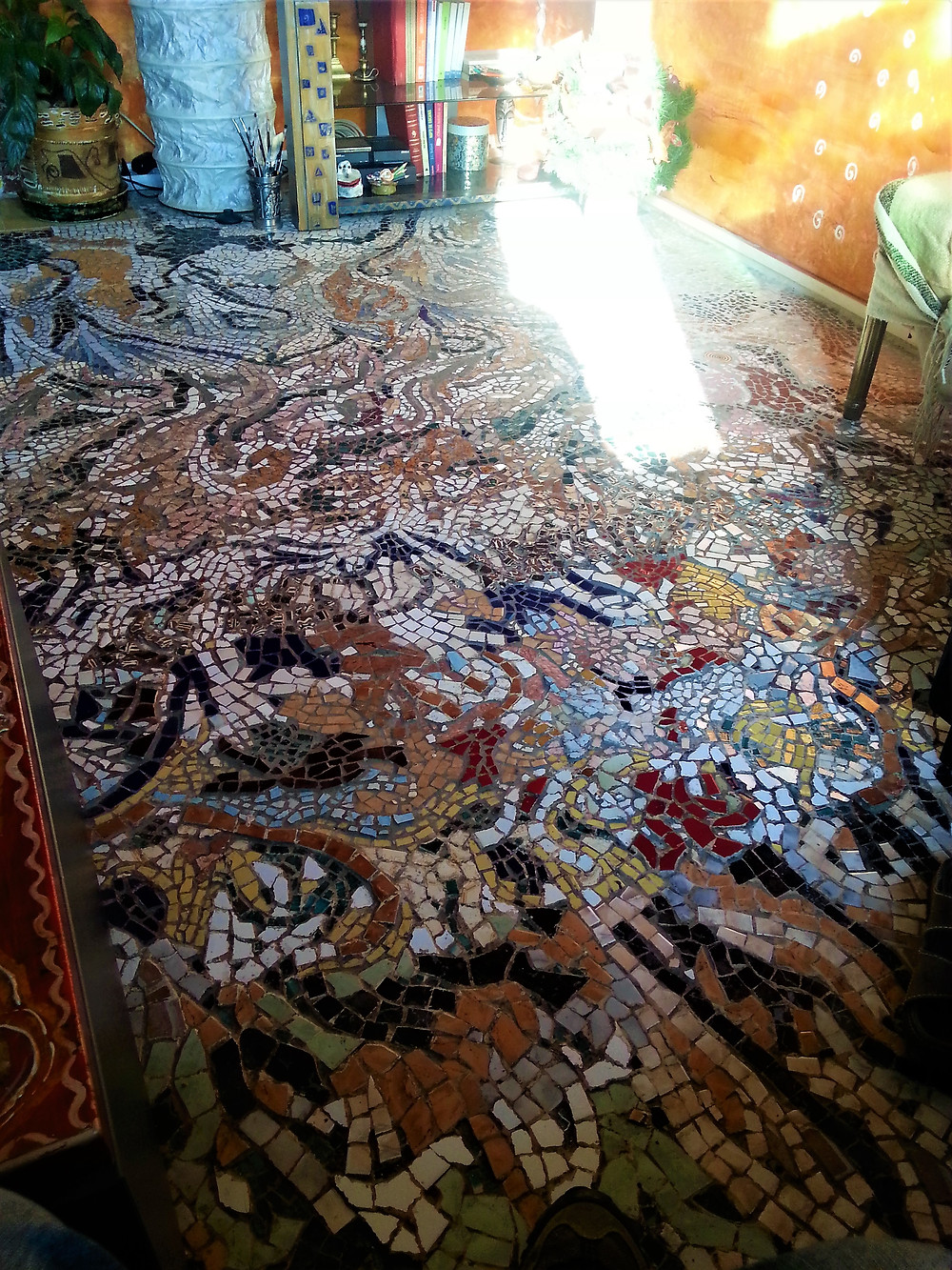 mosaic-floor-oriental-style-apartment