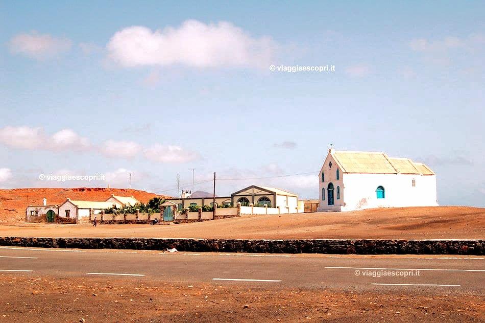 salt-mine-village-in-desert-Mars-scenery