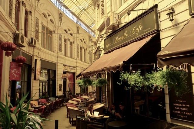 belle-epoque-atmosphere-passage-villacrosse-bucharest