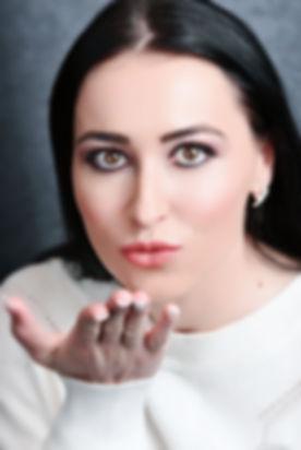 Nicoleta Georgiana Schiess Kuss.jpeg
