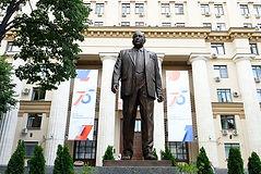 Памятник Е.П. Славскому в Москве
