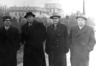 Слева направо: Н.И. Кравченко,  А.И. Бурназян, К.Н. Мещеряков
